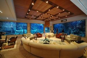 A 150,000 gallon Mega Home Aquarium in the Middle East. Photo by Isshamaqua.com