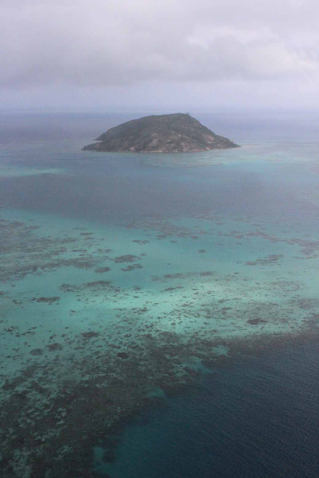 island-on-great-barrier-reef-off-cairns-in-far-north-queensland-data