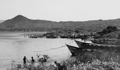 Mbita, the children are playing in Lake Victoria