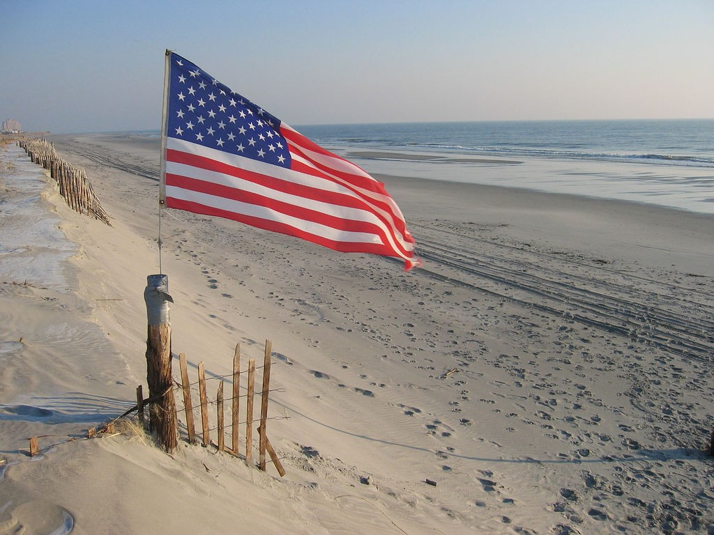 am flag beach