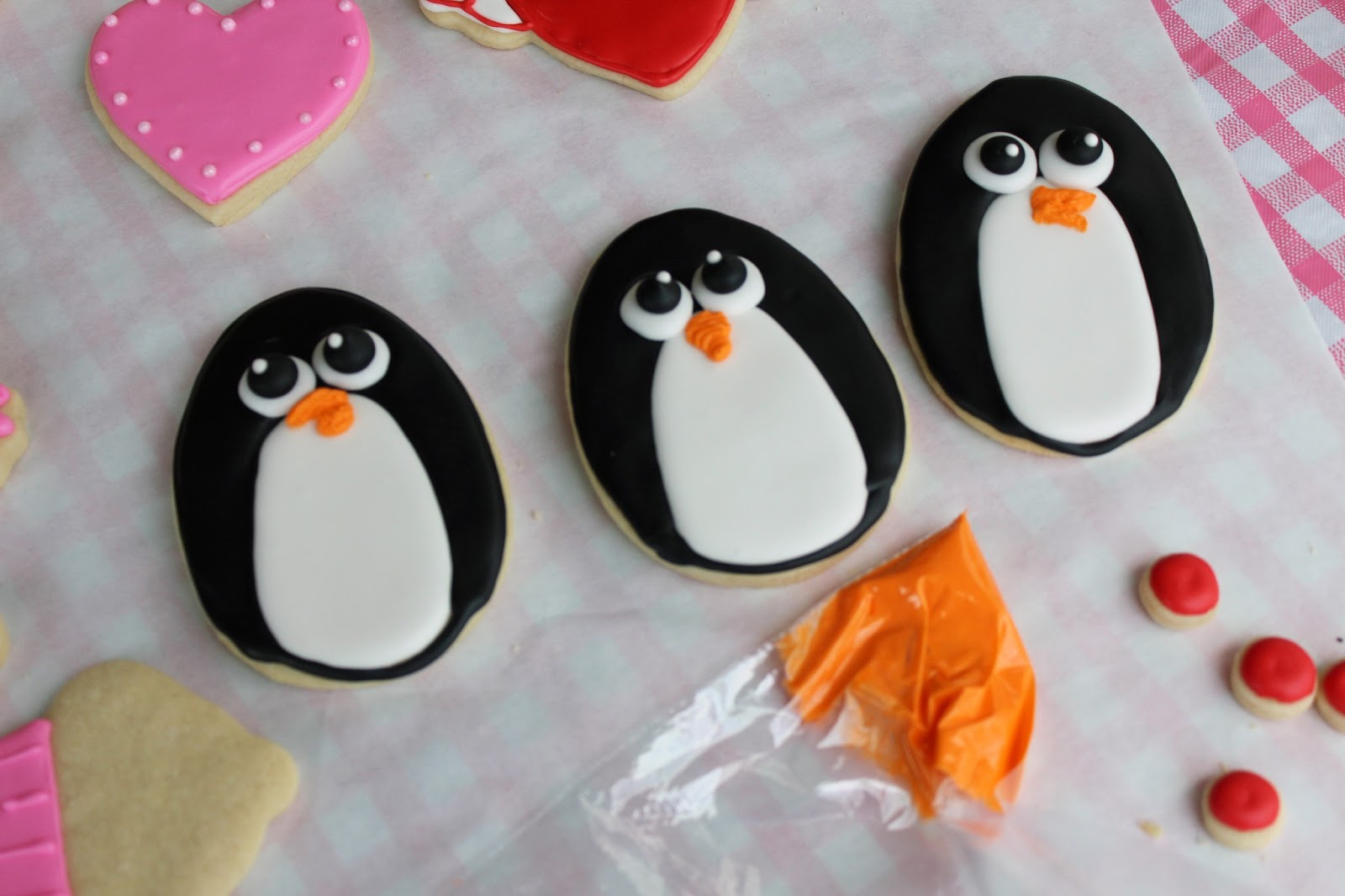penguin sugar cookie