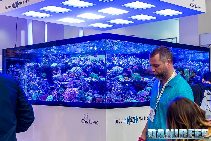 DeJong MarineLife reef tank