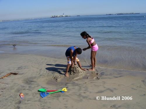 building_sandcastles.jpg