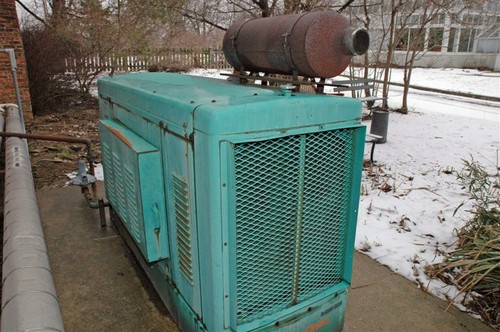 a_natural_gas_genset_used_by_a_public_aquarium_for_25_years.jpg
